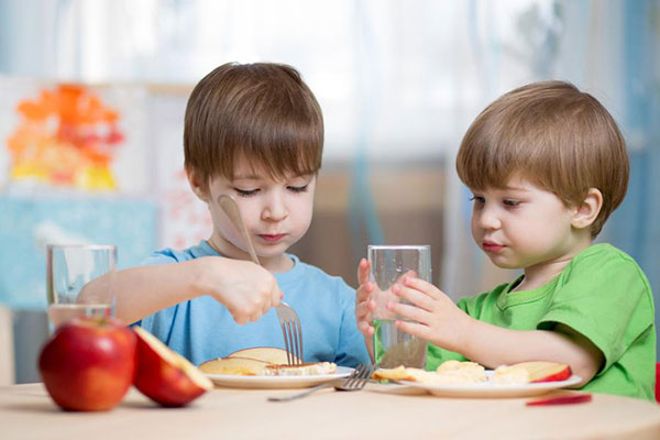 Parents should pay attention to the age of their children to have proper calcium supplementation