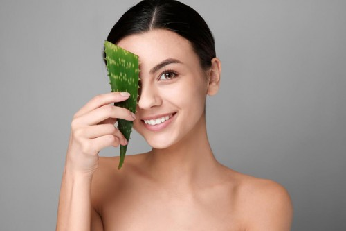 Beauty Hacks: 7 Ways How To Whiten Skin With Aloe Vera