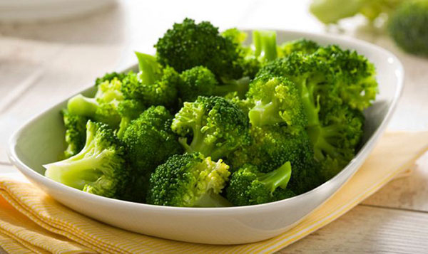 Broccoli is rich in calcium.